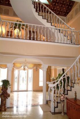进门玄关楼梯装修效果图片欣赏
