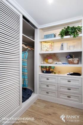 2013地中海卧室衣柜装修