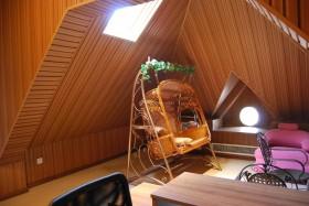 小户型斜顶阁楼装修效果图片