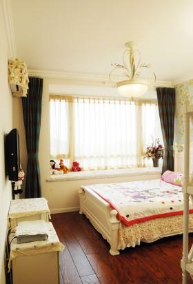 田园风格三居室小清新儿童卧室窗台飘窗装修效果图