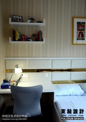 新现代卧室小书房设计图片