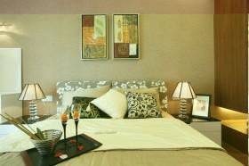 现代简约风格卧室床头软包装修图片