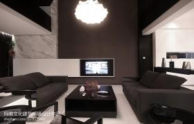 现代复式楼客厅沙发摆放图片