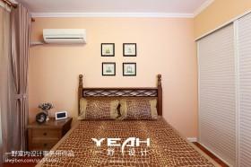 美式田园风格卧室床头装修图片