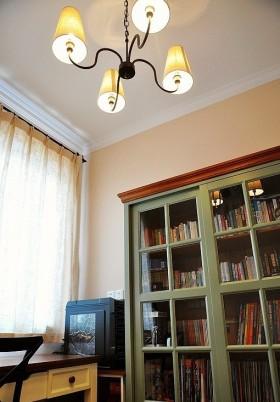 小户型书房吊顶书柜装修效果图