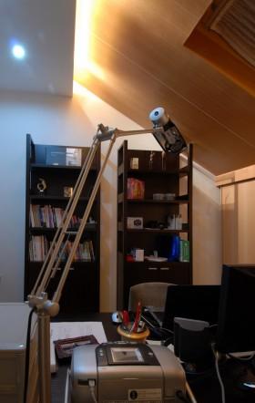 斜顶阁楼小书房装修效果图