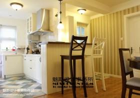 现代美式开放式厨房吧台装修效果图