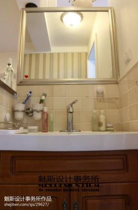 小型卫生间洗手台装修效果图