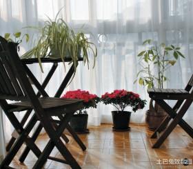 现代简约客厅阳台落地窗帘装修效果图