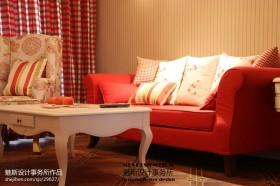 起居室红色沙发效果图欣赏