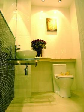小户型单身公寓卫生间设计效果图