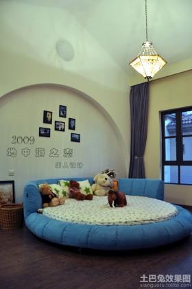 儿童房榻榻米床照片墙效果图