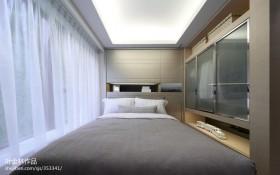 现代风格卧室白色窗帘效果图