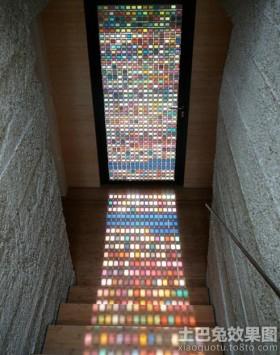 楼梯玄关彩色门装修效果图