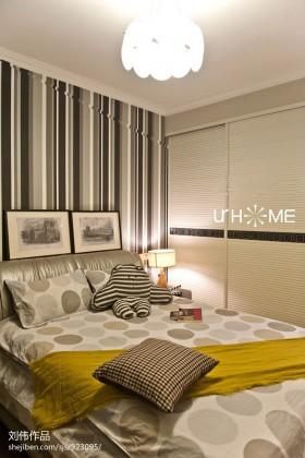 现代70平米小户型卧室装修效果图