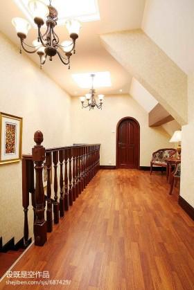 阁楼地板阁楼橡木地板装修效果图大全