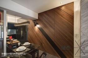 现代两房二厅餐厅木地板背景墙效果图