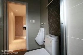 现代卫生间墙面瓷砖设计图片
