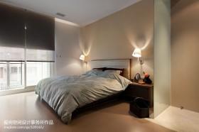 主卧室玻璃隔断设计