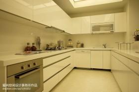 现代简约风格厨房U型橱柜装修效果图片大全