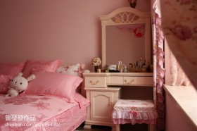 温馨卧室梳妆台图片