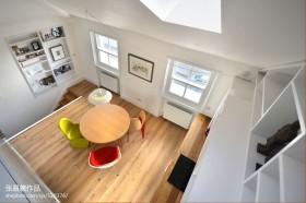 顶层阁楼实木地板小客厅效果图