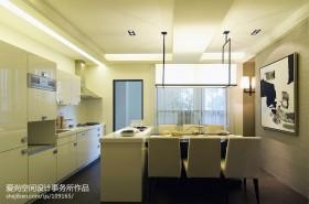 现代简约开放式厨房餐厅装修效果图