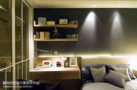 卧室墙上置物架图片