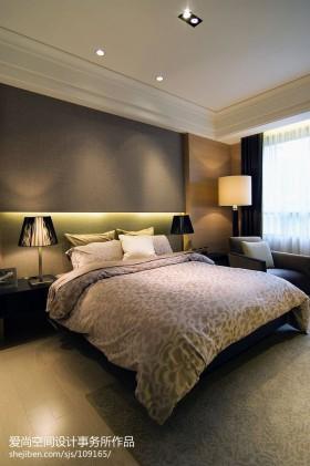 2013年现代主卧室装修效果图