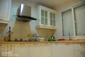田园风格厨房瓷砖效果图