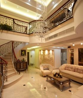 挑高客厅水晶吊灯效果图欣赏