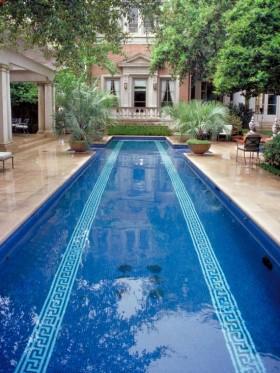 别墅长方形露天泳池效果图 庭院装修