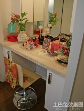 梳妆台创意花瓶设计图片