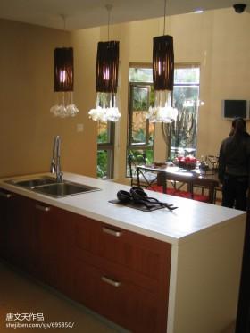 2013现代风格厨房吧台装修效果图片