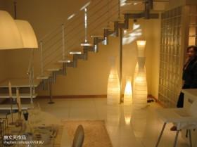现代风格复式楼楼梯装饰图片