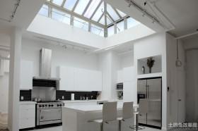 简约厨房天窗图片