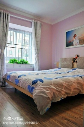 地中海风格婚房卧室装修效果图