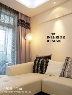 现代风格客厅拐角沙发摆放图片