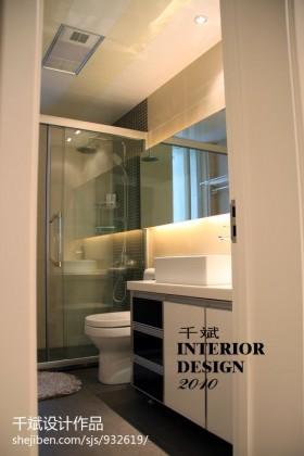 现代简约风格小卫生间洗脸盆组合柜装修图片