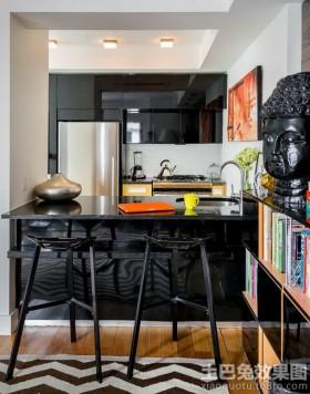 黑色厨房吧台装修效果图