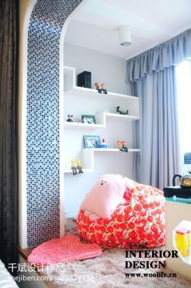 卧室遮光蓝色窗帘装修效果图