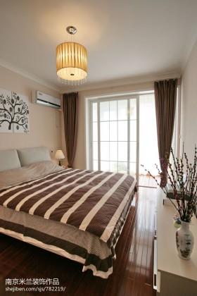 现代简约风格主卧室装修效果图大全