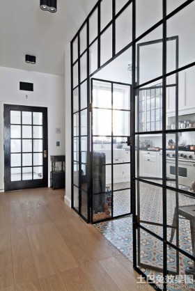 2013家装厨房玻璃门图片欣赏