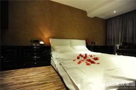 现代风格20平米卧室装修图片