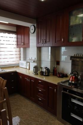 中式风格橱柜中式风格厨房装修效果图片