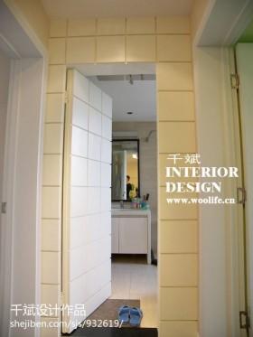现代简约家装卫生间隐形门装修效果图