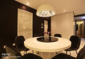 现代简约餐厅吊灯装修效果图