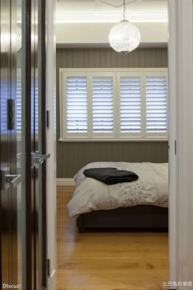 卧室单开门装修设计效果图