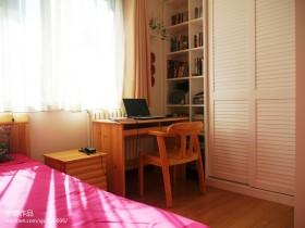 卧室实木书桌图片