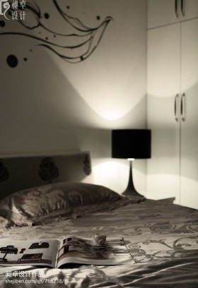 温馨简约风格卧室装修图片